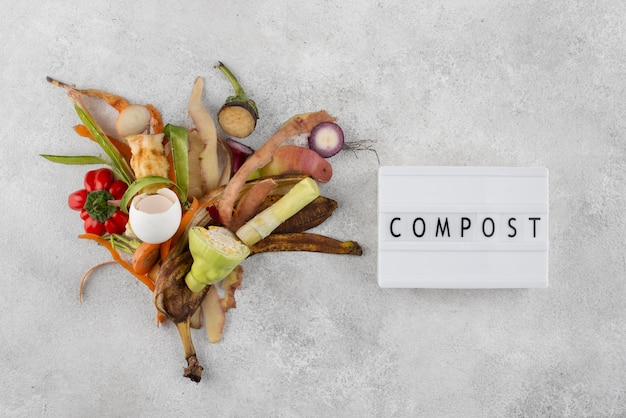 Opstelling van compost gemaakt van rot voedsel