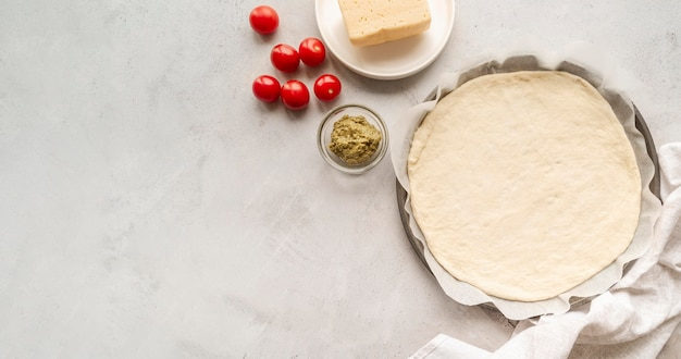 Opstelling van lekker pizzadeeg