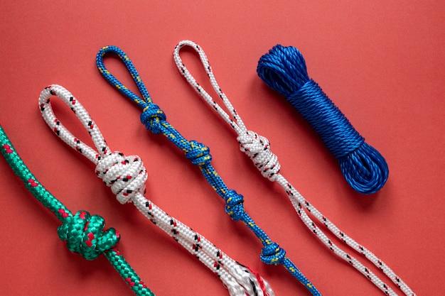 Opstelling van nautische touwknopen