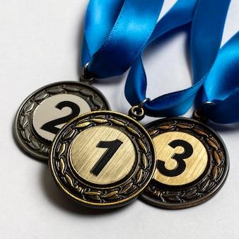 Opstelling van verschillende olympische medailles