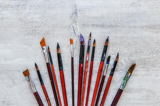 Opstelling van vuile penselen