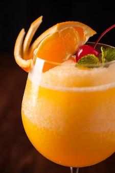 Oranje frappe, sinaasappelsmoothie