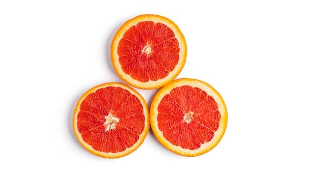 Oranje fruit geïsoleerd.