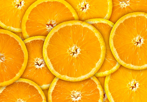 Oranje fruit op gele en rode achtergrond