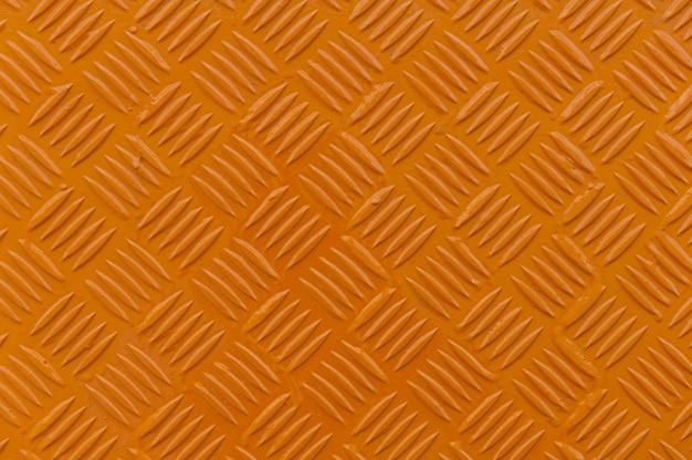 Oranje metalen traanplaat