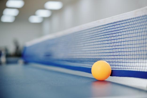 Oranje pingpongbal