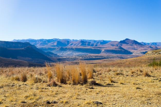 Oranje vrijstaatpanorama op weg naar karoo, zuid-afrika.