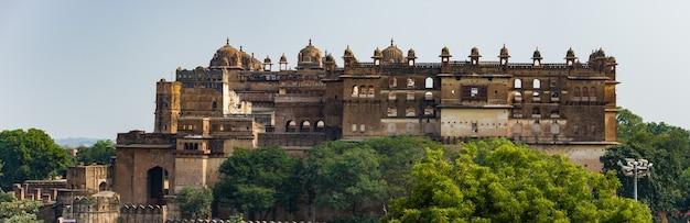 Orchha palace, madhya pradesh. ook gespeld orcha, beroemde reisbestemming in india.