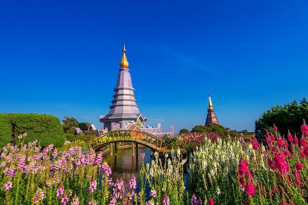 Oriëntatiepuntpagode in het nationale park van doi inthanon in chiang mai, thailand.