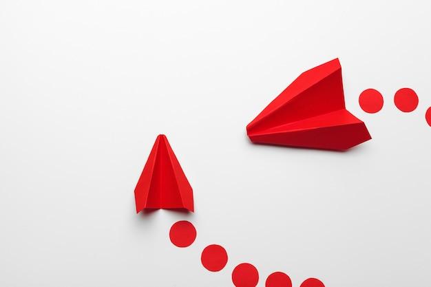 Origami speelgoed vliegtuig papier