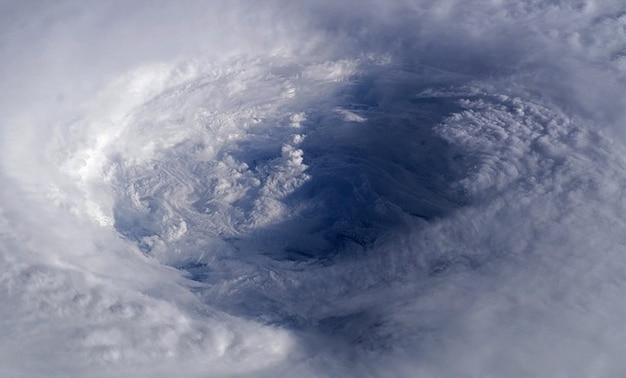 Orkaan storm tropische isabel uitzicht cycloon luchtfoto