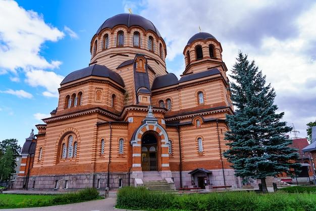 Orthodoxe kathedraal van de opstanding van jezus in de stad narva estland.