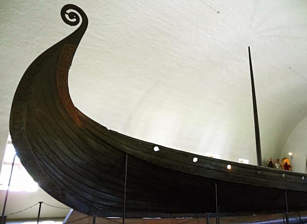 Oseberg-schip een 2158 meter lang schip gebouwd van eiken vikingschipmuseum in oslo, noorwegen