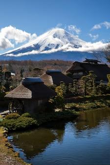 Oshino hakkai dorp