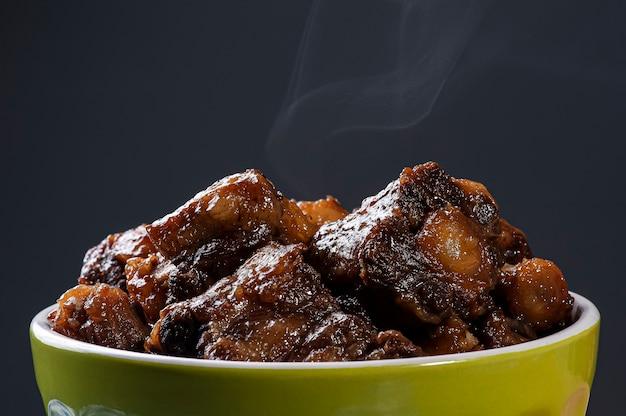 Ossenstaart. typisch gerecht uit de braziliaanse keuken.