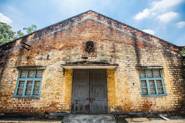Oud fabrieksgebouw