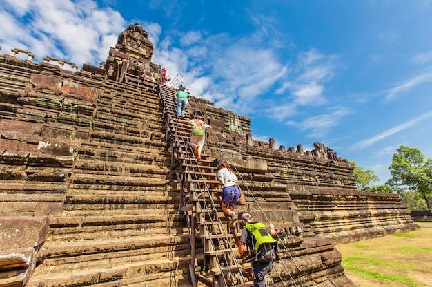 Oud kasteel in cambodja. angkor thom.