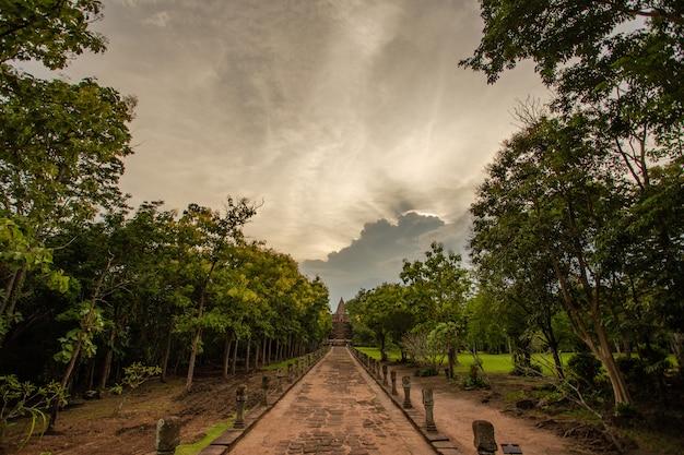 Oud kasteel thai in bos