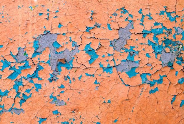 Oude afbladderende verf