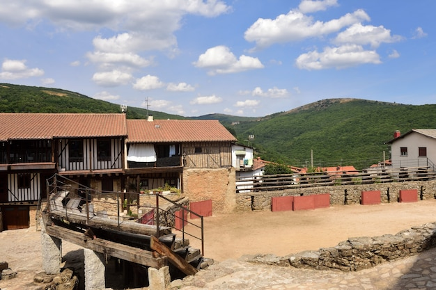 Oude arena van san martin del castanar, natuurreservaat sierra de francia, provincie salamanca, castilla leon, spanje