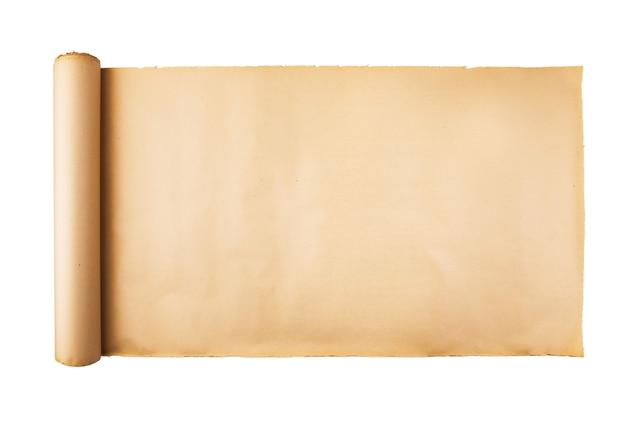 Oude beklemtoonde document rol die op witte achtergrond wordt geïsoleerd
