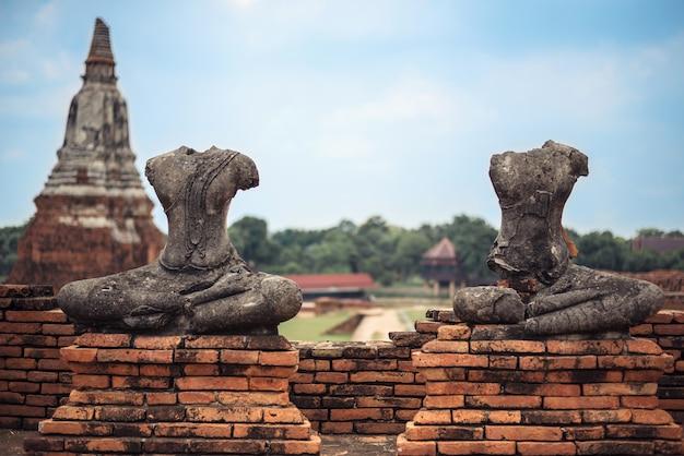 Oude buddhas in ayutthaya, thailand