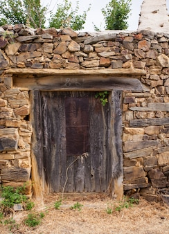 Oude deur van een spaans huis