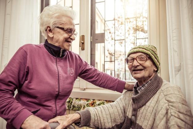 Oude gelukkige paar