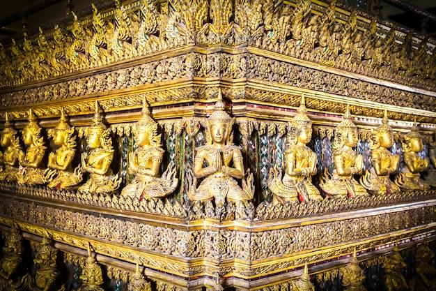 Oude gouden beeldhouwkunst