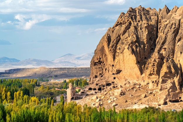 Oude grotwoning in de buurt van goreme, cappadocië in turkije.