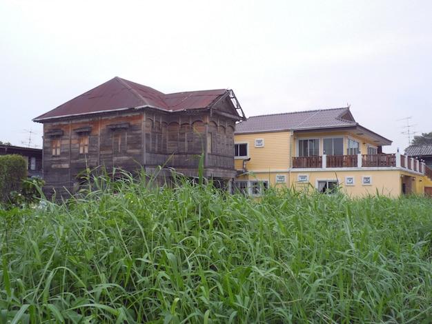 Oude houten huisstijl