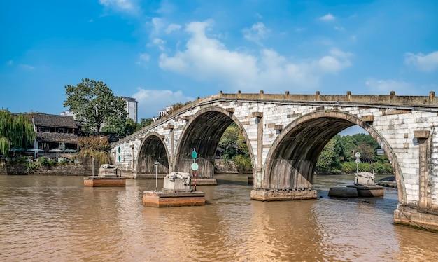 Oude kanaalbrug in hangzhou