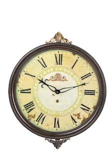 Oude klok geïsoleerd op wit