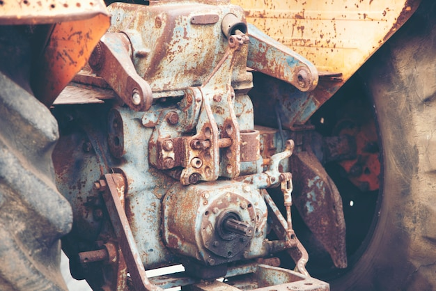 Oude machines van een tractor