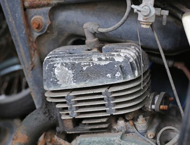 Oude motorfietscilinder