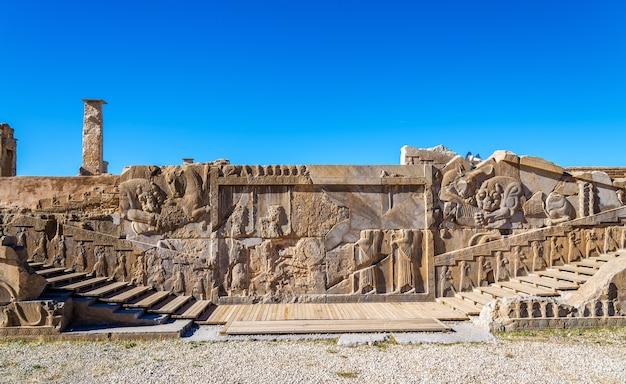 Oude perzische gravure in persepolis - iran