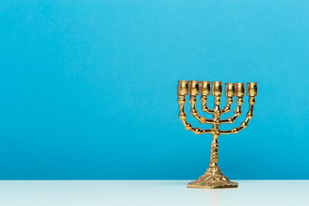 Oude rituele kaars menorah
