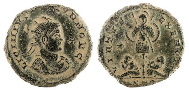 Oude romeinse koperen munt van keizer licinius ii.