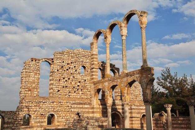 Oude romeinse ruïnes in anjar van libanon