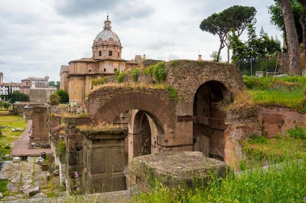 Oude ruïnes, forum romanum. rome, italië.