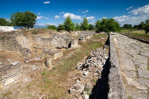 Oude ruïnes in dion, griekenland.