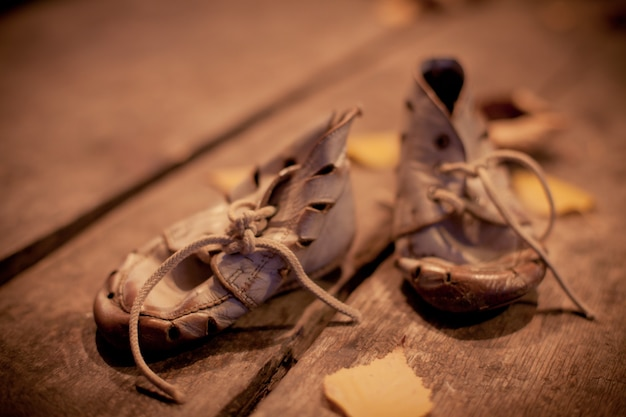 Oude schoenen voor arm kind