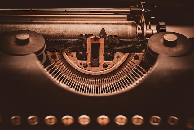 Oude schrijfmachine. retro stilleven