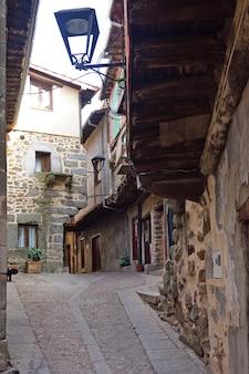 Oude stad miranda del castanar; natuurreservaat sierra de francia; provincie salamanca; castilla leon; spanje