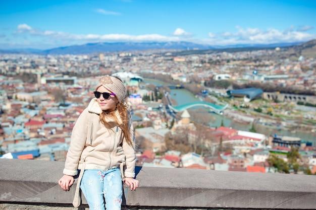 Oude stad, nieuw summer rike-park, rivier de kura, het europese plein en de vredesbrug