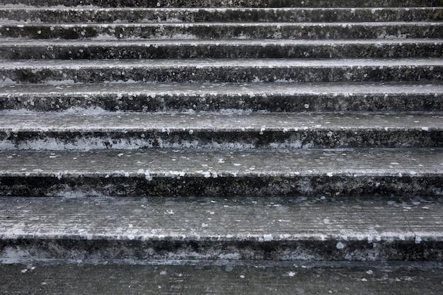 Oude stenen trappen