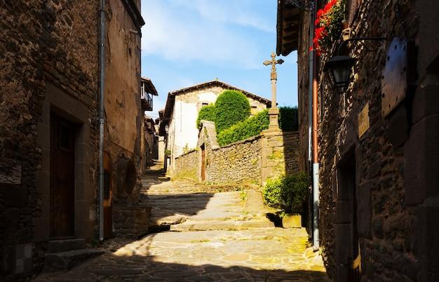 Oude straat in rupit. catalonië