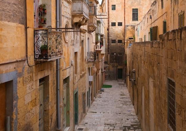 Oude straat van europese stad