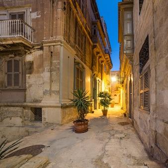 Oude straten in vittoriosa in malta
