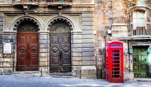 Oude straten van het centrum van valletta. malta